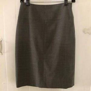 Banana Republic gray skirt lined 4 pencil skirt